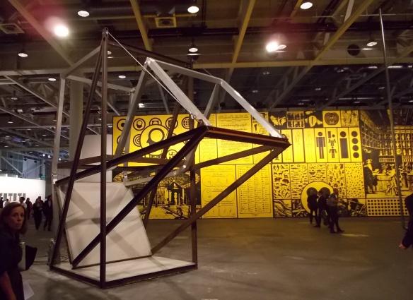 Скульптура Оксара Туазона в секции Unlimited